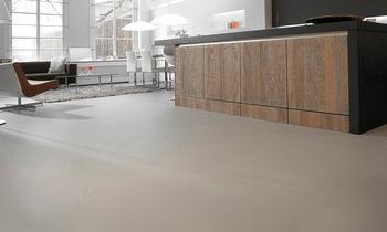 De creatie van naadloze pu epoxy & cementgebonden gietvloeren